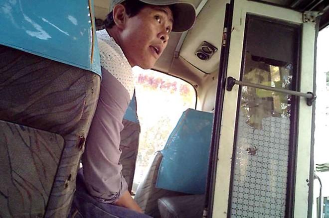 Gặp trộm cướp khi ngồi trên ghế nhà xe không có thương hiệu